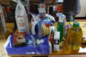 DeDrieEngelen_voedselpakket